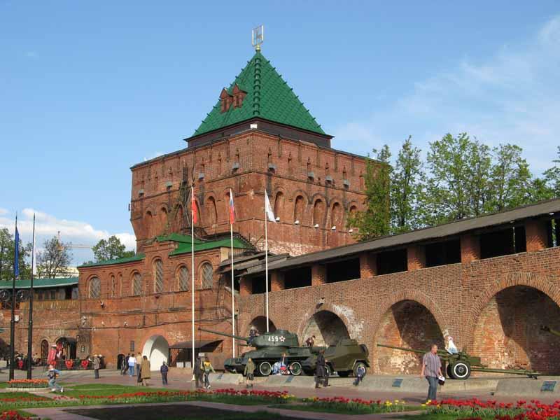 Памятники нижнего новгорода численность изготовление памятников перепечино