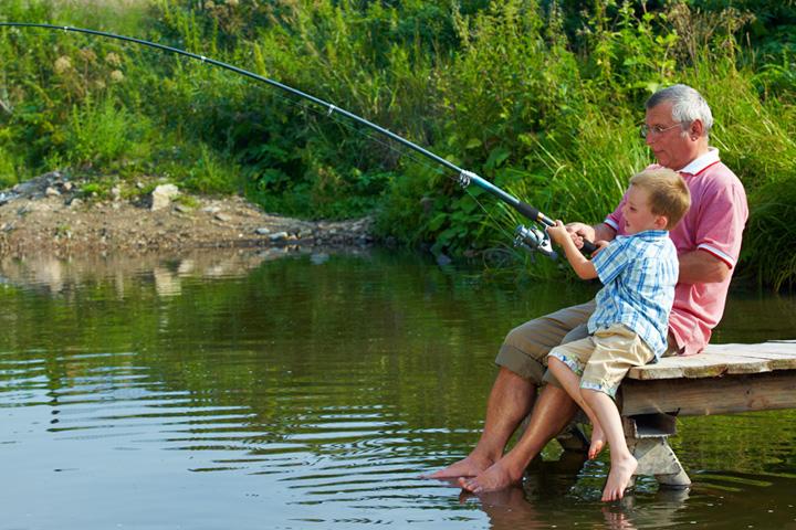 как и чем ловить рыбу на большой реке